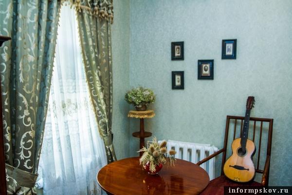 На фото: уголок кабинета Надежды Виноградовой