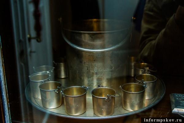 На фото: те самые серебряные ведёрки