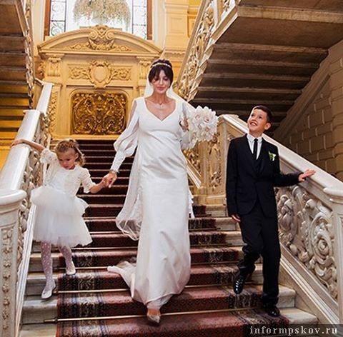 Свадьба Алисы и Андрея Аршавиных. На невесте платье от  ALINAGERMAN