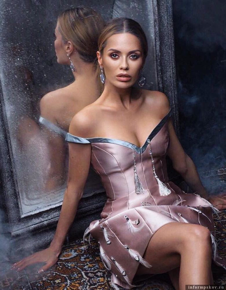 Виктория Боня в платье от ALINAGERMAN