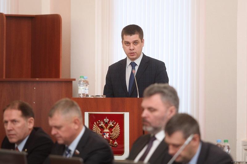 Единороссы вновь опередили оппозицию, первыми предъявив претензии вице-губернатору Кузнецову