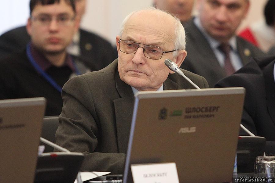 Пенсионер Виктор Дуля попал в областное Собрание вместо молодого Ивана Штылина, ушедшего курировать региональный спорт