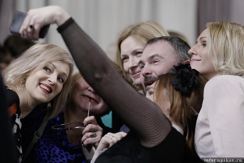 Победители, и не только с удовольствием позировали фотокорреспондентам