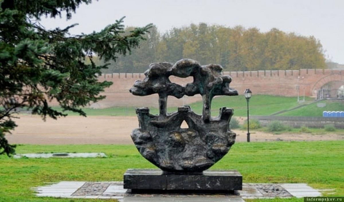 Ганзейский знак в Новгороде. Фото с сайта Dealpics.ru