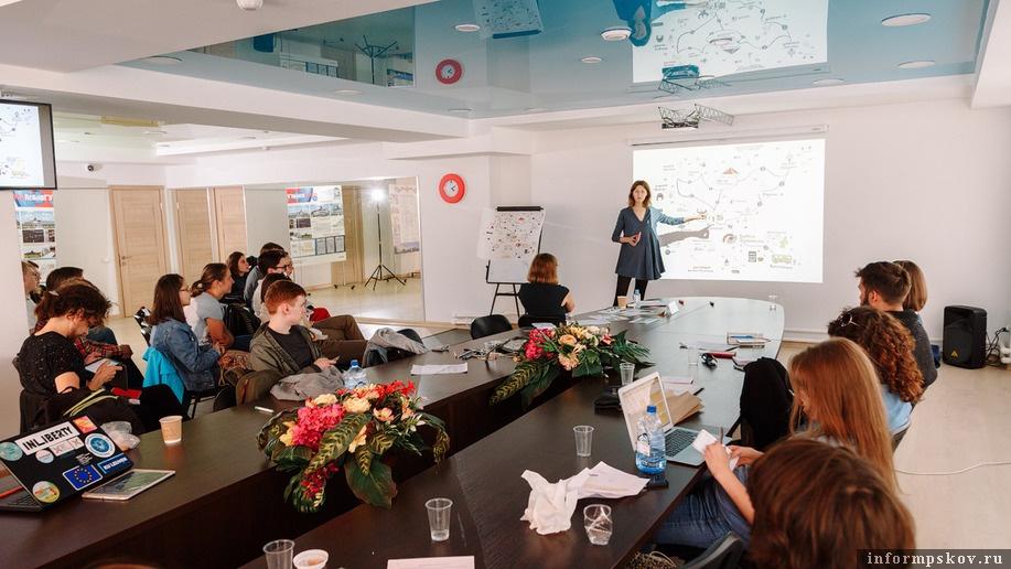 На фото: презентация пушкиногорских проектов. Фото Алексея Архипова (Фонд «Общественное мнение»)