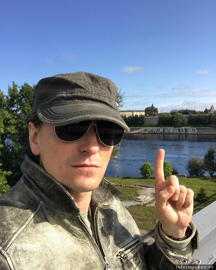 Сергей Безруков в Пскове. Фото из социальной сети Инстаграм