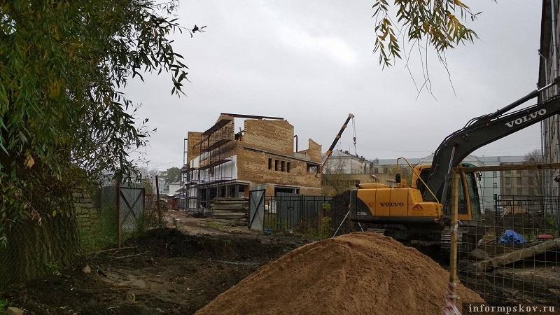Строительство нового торгового комплекса в центре Пскова