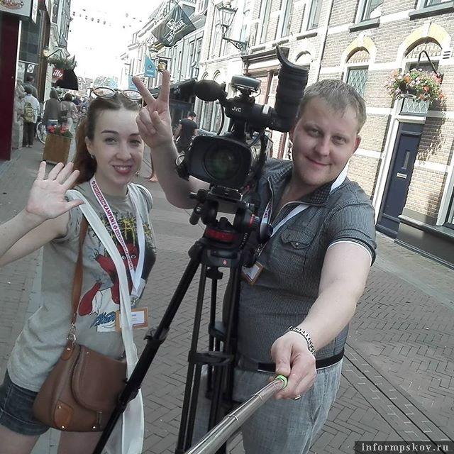 «Если бы всё состояло из интересных съёмок, я был бы счастлив». (На фото: Андрей Пономарёв и Дарья Чистякова на Ганзейских днях в Кампене)