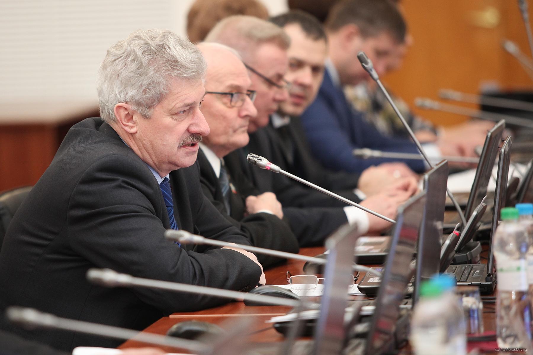 Петр Алексеенко призвал всех возмутиться новым сериалом на НТВ