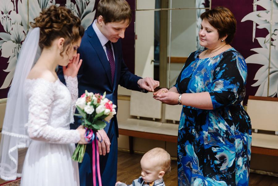 Случается, что плачут не только невесты, но и женихи
