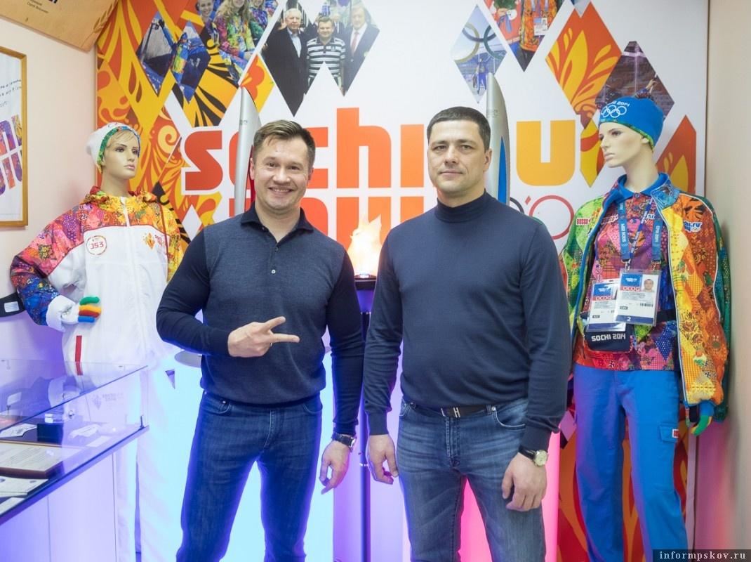 На фото: Алексей Немов и Михаил Ведерников.