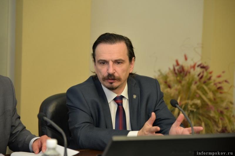 На фото: Глеб Калашников. Фото с gov.cap.ru.