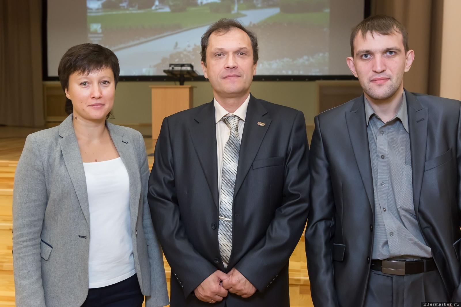 Михаил Донченко и его коллеги. Фото с сайта Инжинирингового центра Псковской области