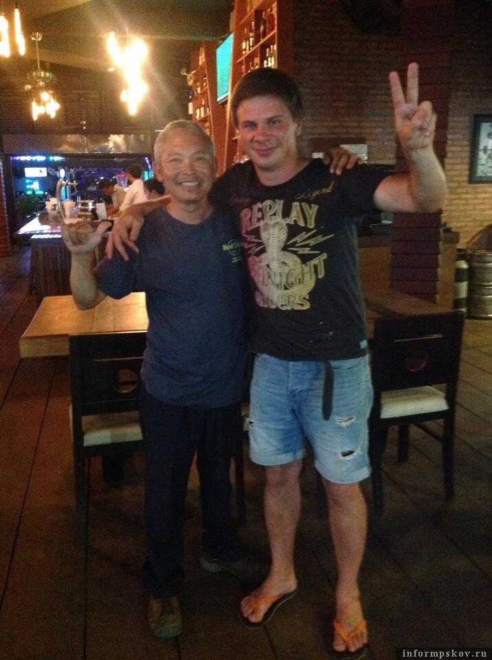 Пхан Вирак и ведущий программы «Мир наизнанку» на канале «Моя планета» Дмитрий Комаров