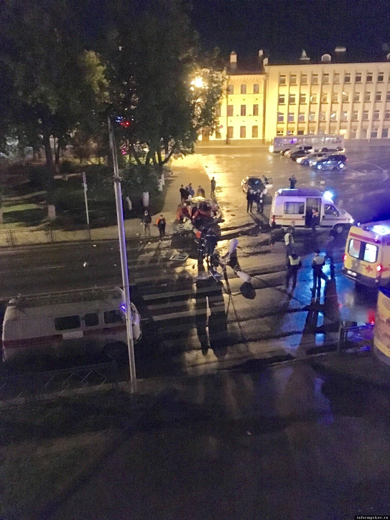 """Фото очевидца в группе """"Жесть по-псковски"""" в социальной сети """"ВКонтакте"""""""