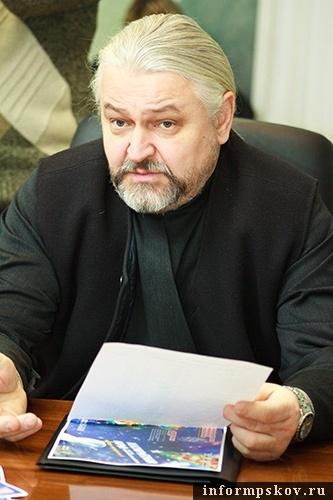 На фото: отец Иоанн Муханов