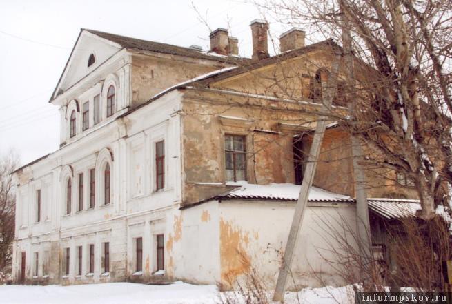 Дом на Советской набережной, 9