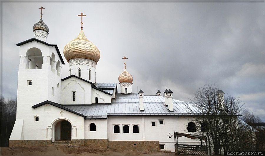 Фото храма Святой Троицы в деревне Жуки Себежского района предоставлено Воскресенским Новодевичьим монастырем.