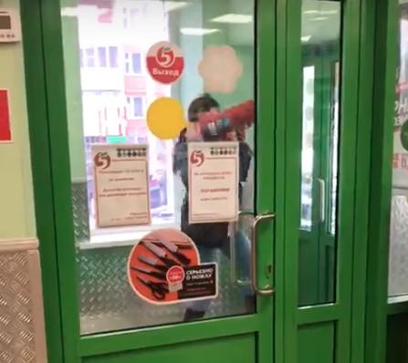 Скриншот с любительского видео из группы «Жесть по-Псковски» во «ВКонтакте»