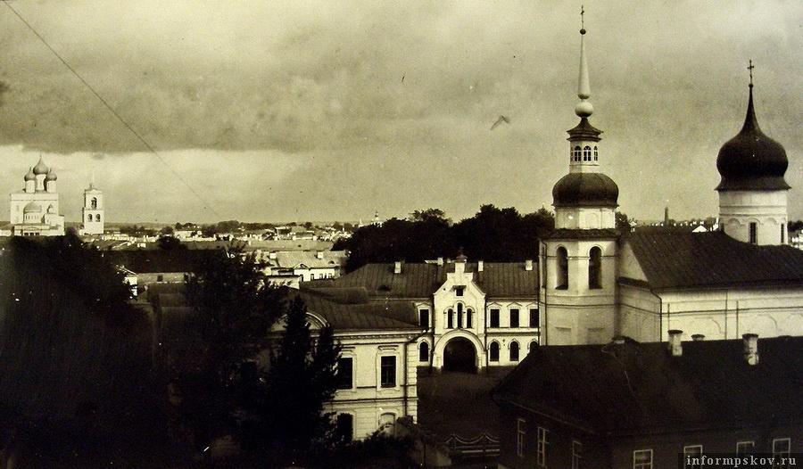 Подворье Псково-Печерского монастыря в расцвете