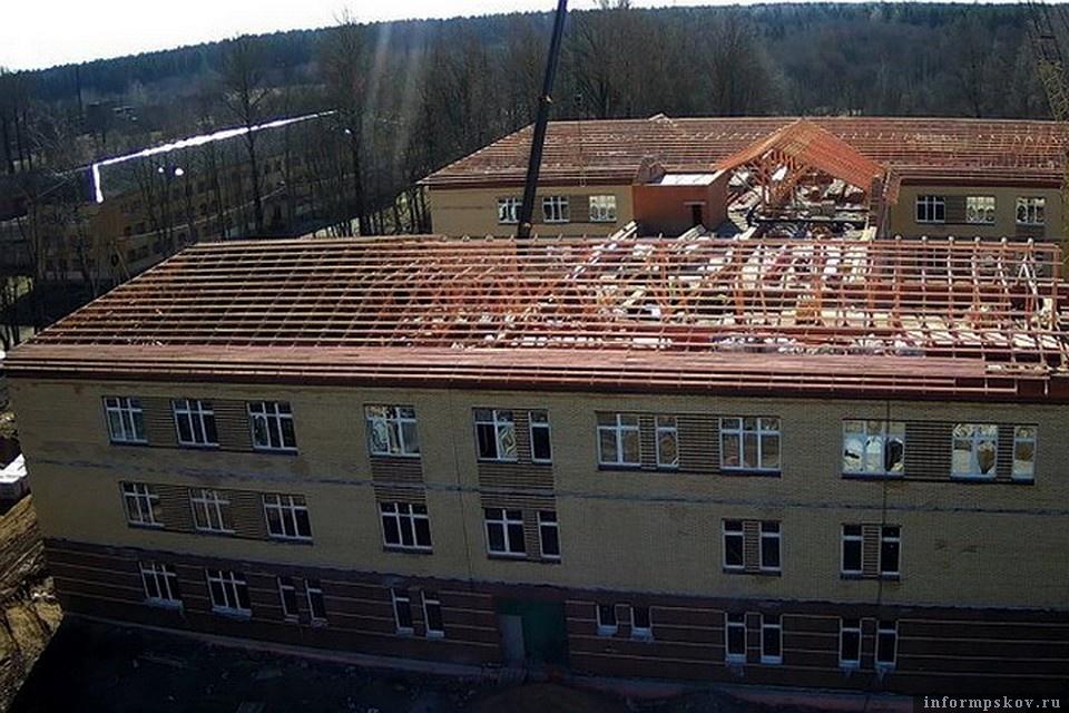 Строительство школы в Дно