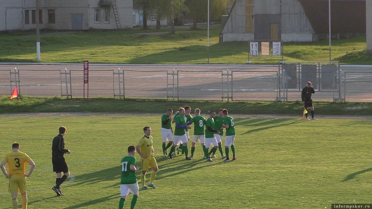 Фото из группы «Псковский футбол» в социальной сети «ВКонтакте».