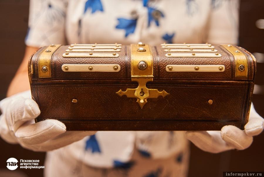 Дамский несессер из коллекции Псковского музея-заповедника