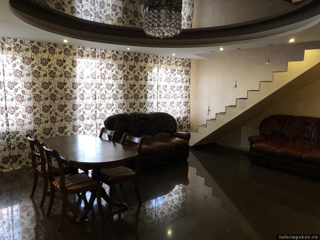 На фото: двухуровневые апартаменты. Фото с сайта booking.com