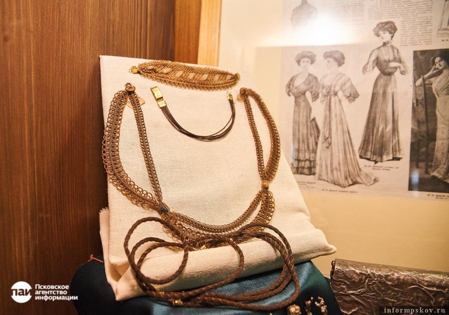 Браслеты и ожерелья из волос. XIX век. Здесь и далее фотографии Дарьи Хватковой