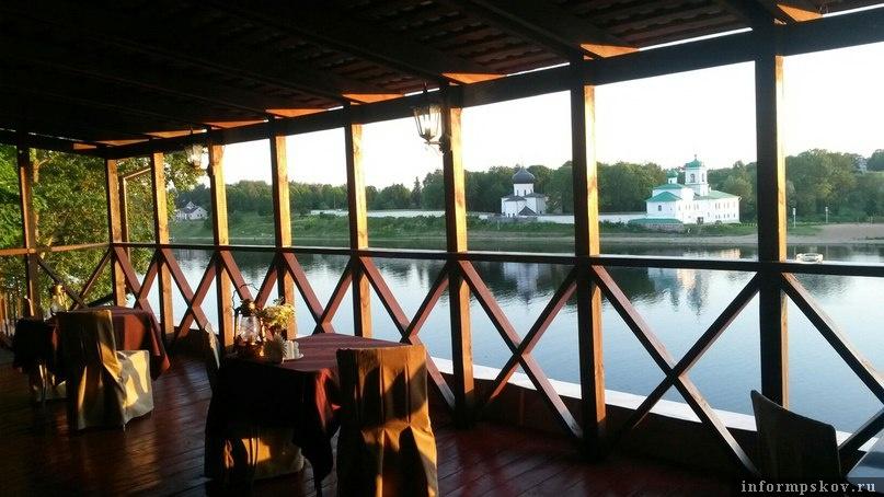 Летняя терраса кафе «Фрегат»