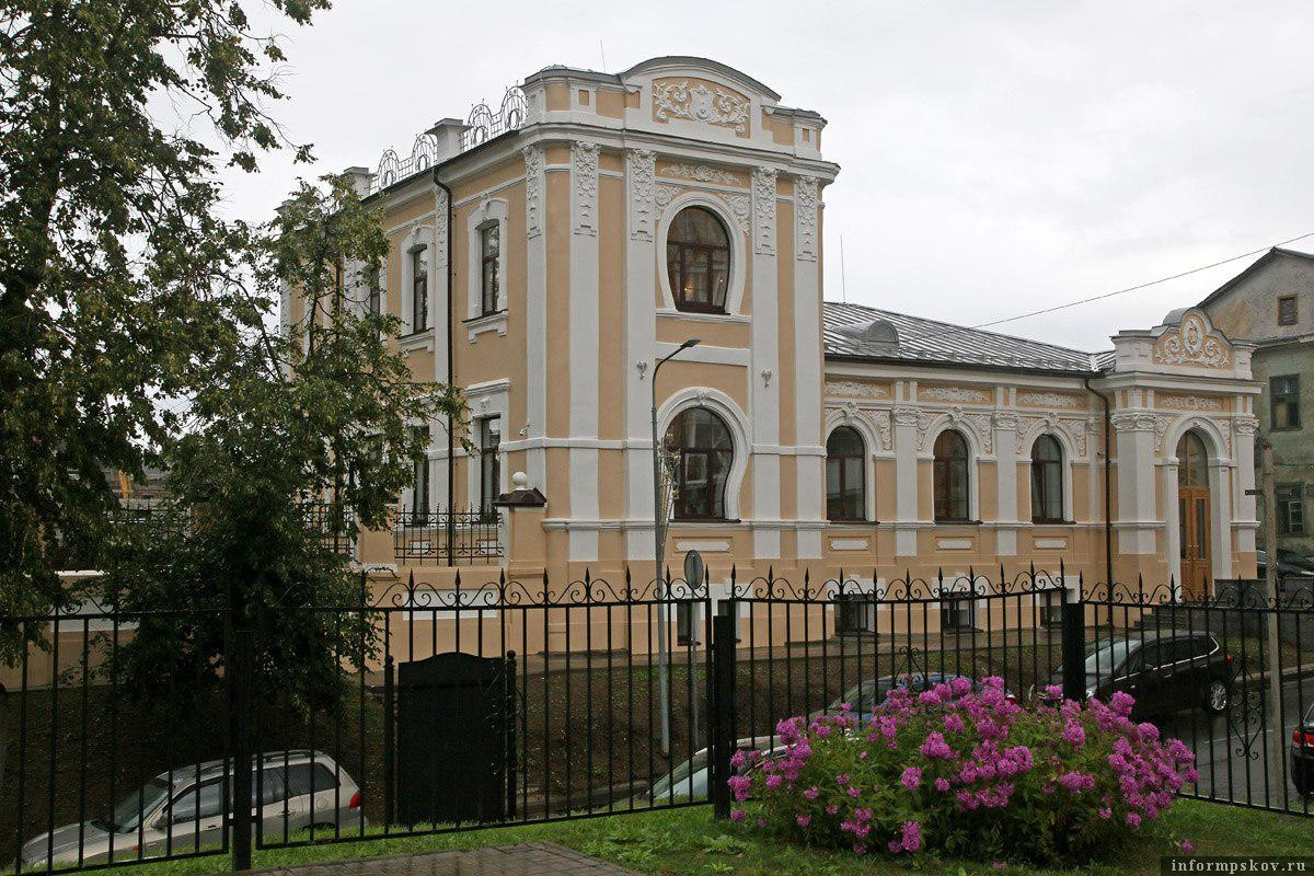 Здание на Детской, 2. Здесь и далее фото Михаила Глущенко