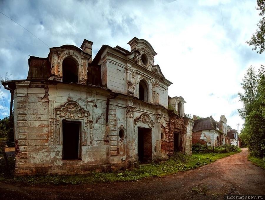 Усадьба Строгановых в Волышово Порховского района