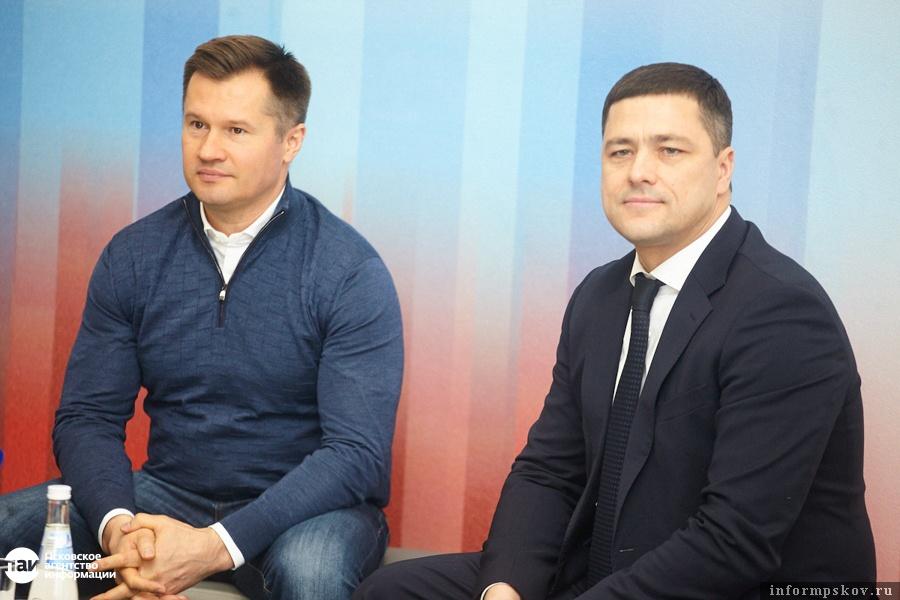 Алексей Немов - нередкий гость Псковской области. Проводит встречи с молодежью, мастер-классы для детей.