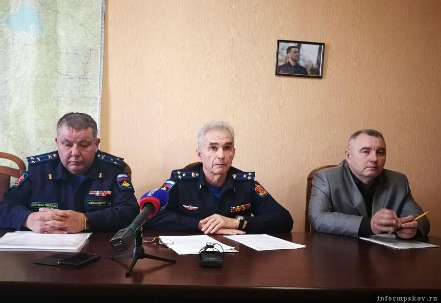 Военный комиссар Псковской области посоветовал родителям мальчишек не бояться повесток на призывные пункты