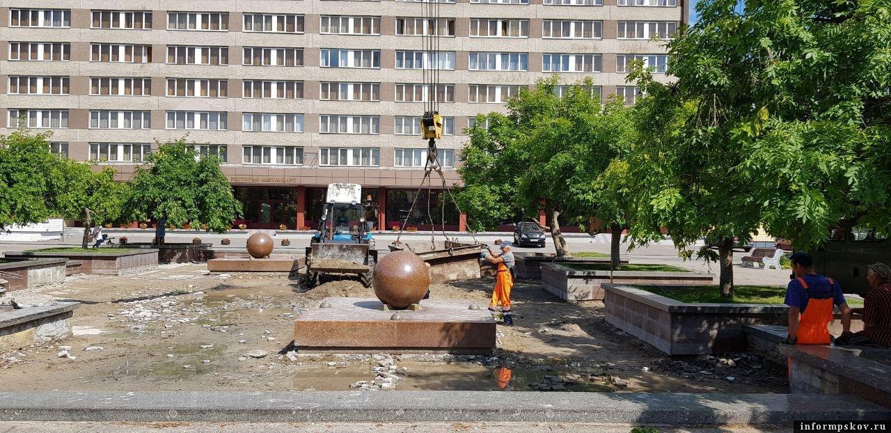 На фото состояние фонтана 23 июля