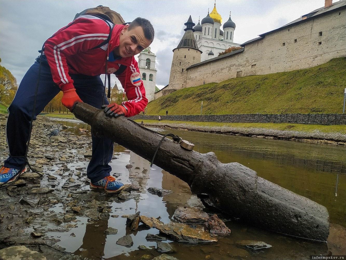 Марк Мордовцев с «уловом». Фото со страницы автора «ВКонтакте».