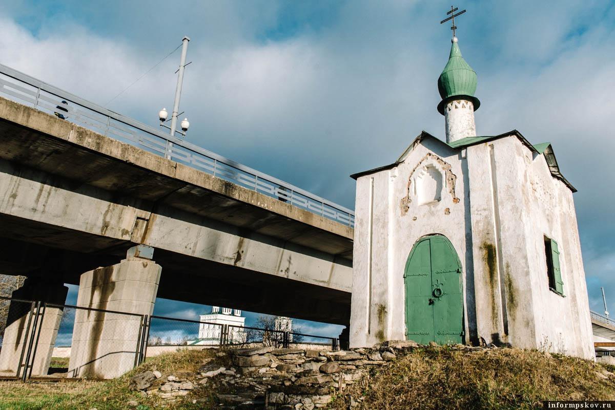 Анастасиевская часовня в Пскове. Фото Дарьи Хватковой