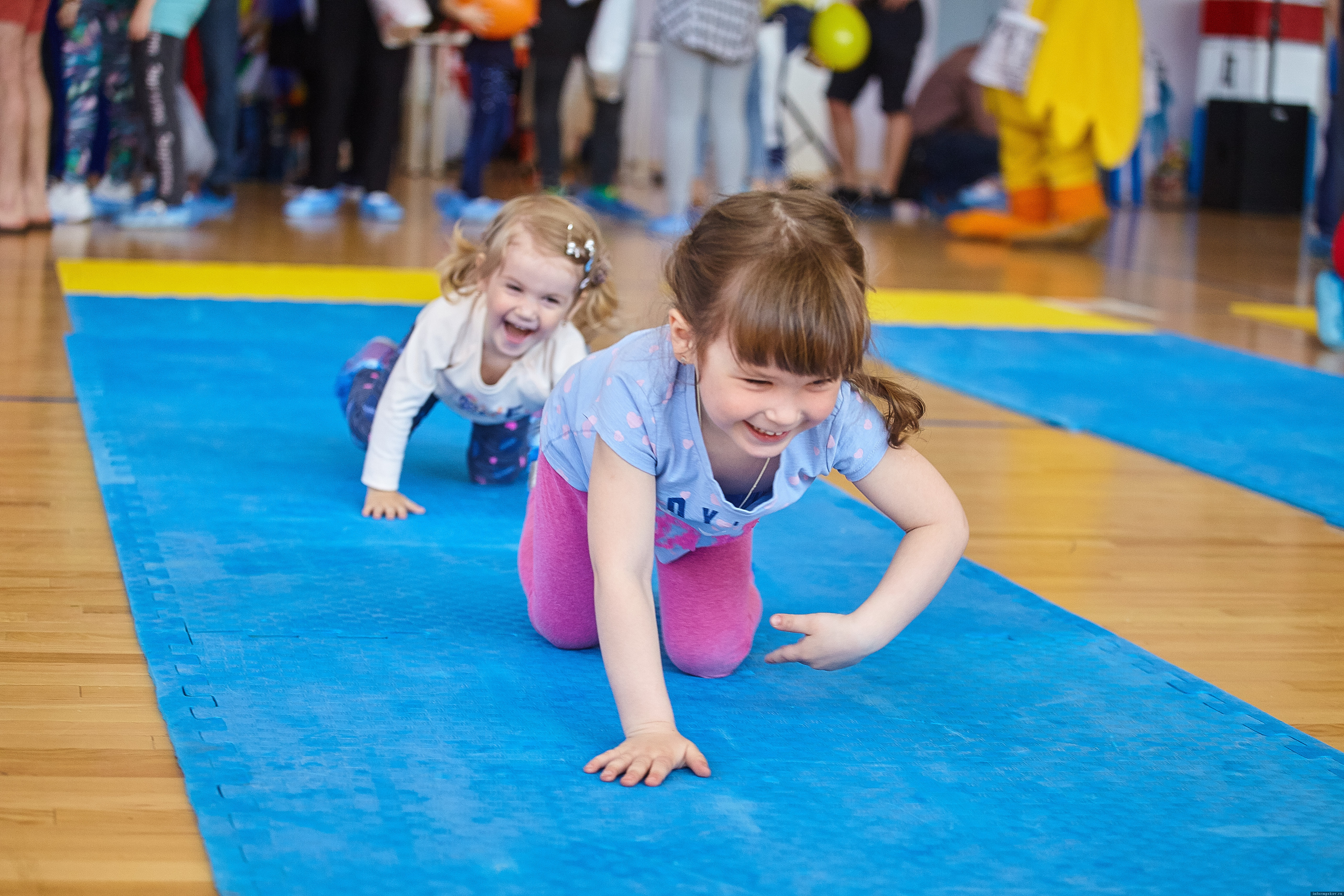 """Участниками праздника """"Маленький чемпион"""" в Пскове могут стать малыши в возрасте от 6 месяцев до 2,5 лет. Фото: Дарья Хваткова."""