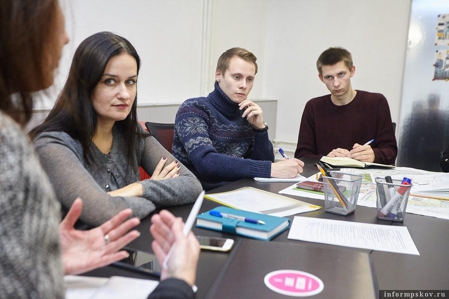 Екатерина Коваль и студенты с кафедры ПГС