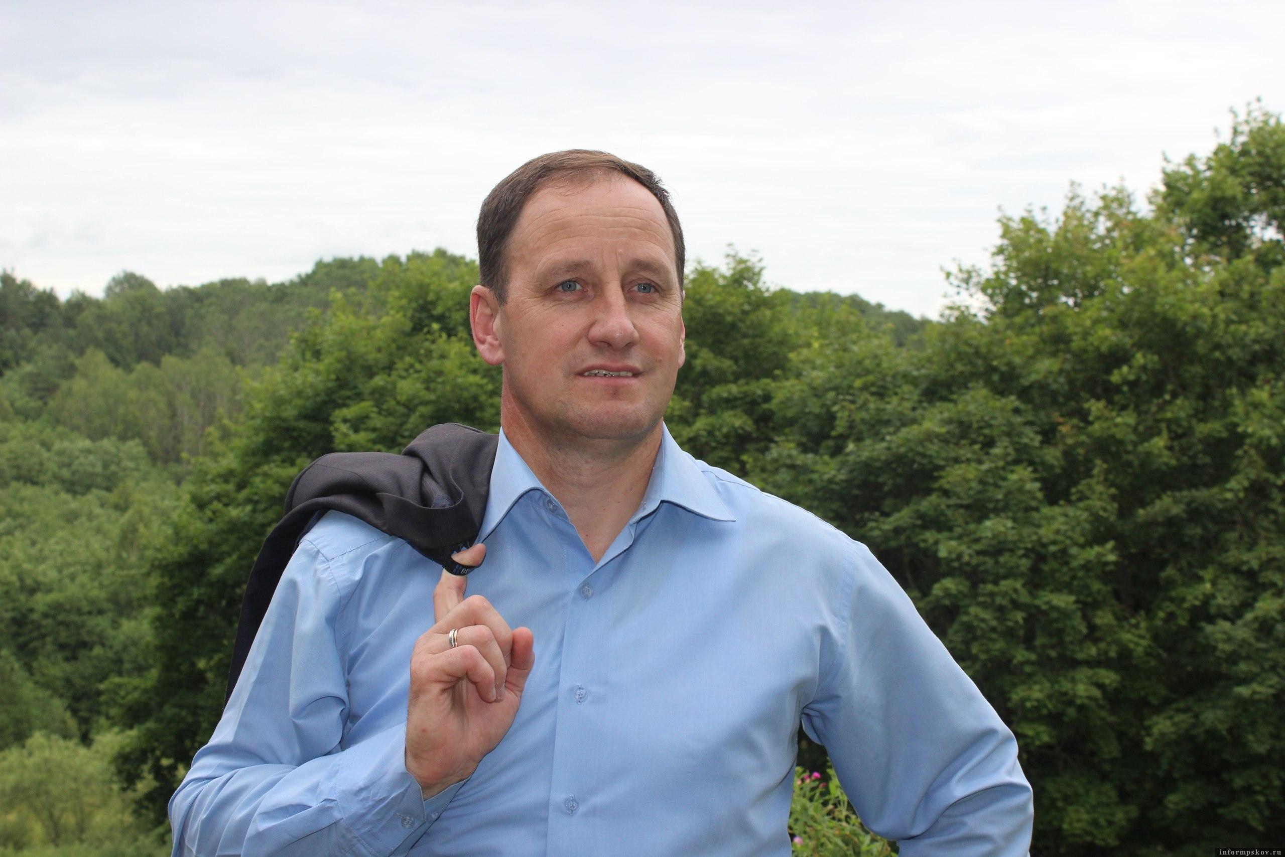 В отношении главы Печорского района инициировали служебную проверку. Фото с личной страницы главы.