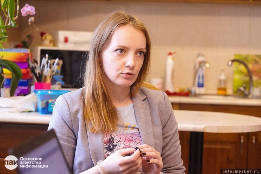 Девушка запрещает приходить к ней на работу юные модели веб камера