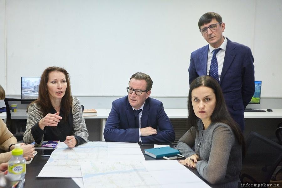 Наставники. Слева направо: Екатерина Скачкова, Евгений Шапкин, Владислав Абрамов, Екатерина Коваль