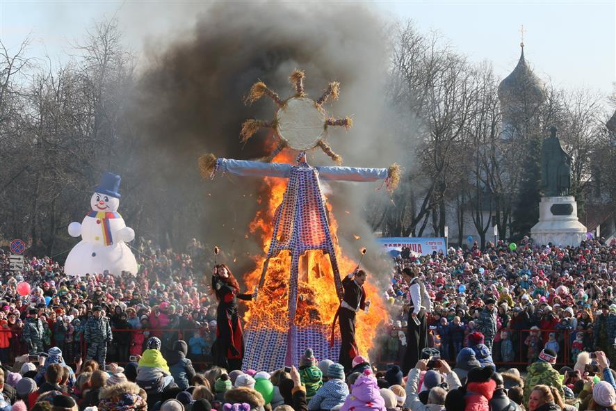 Масленица в Пскове. Фото Михаила Глущенко