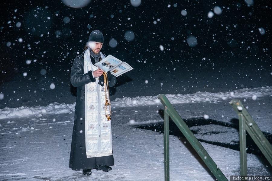 18 января того года в Пскове сыпал снег. Самая настоящая зима. Фото: Дарья Хваткова.