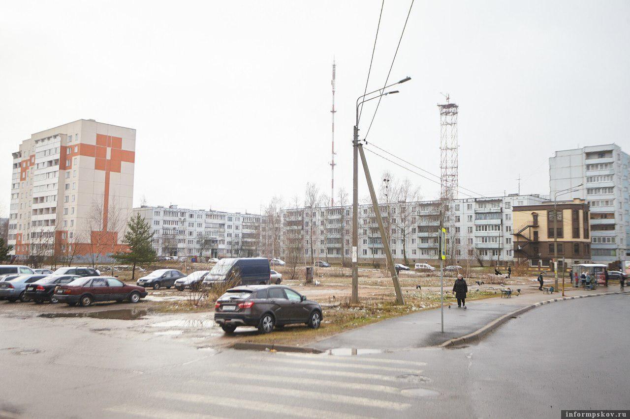 Улица Печорская в Пскове. Фото Дарьи Хватковой.