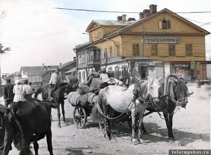 Пересечение современных Рижского проспекта и улицы Максима Горького.