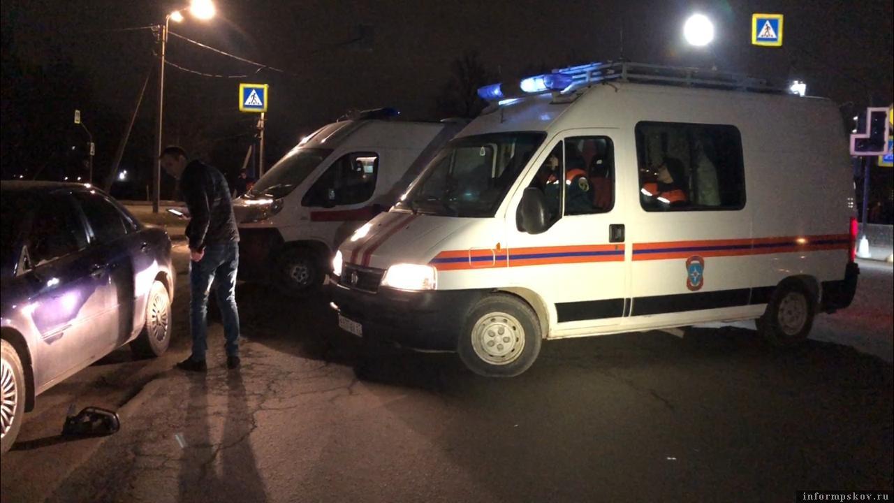 22 февраля на Рижском проспекте в Пскове на пешеходном переходе сбили женщину. Фото: ПАИ.