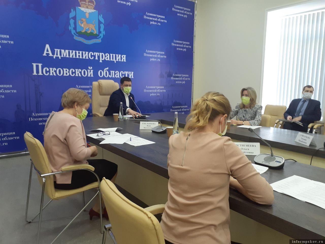 Более 5800 пособий по временной нетрудоспособности получили жители Псковской области. Фото ПАИ.