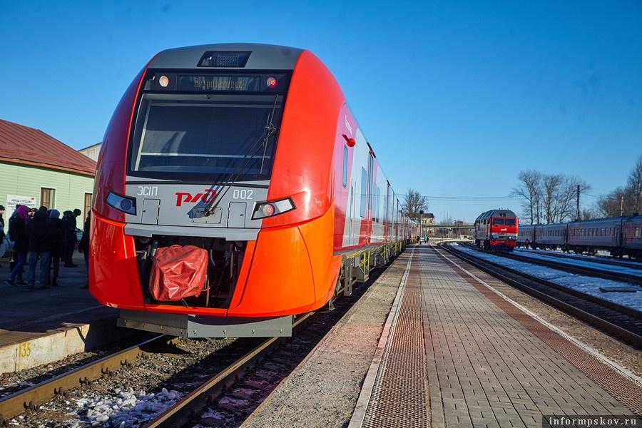 Поезда «Ласточка» между Псковом и Санкт-Петербургом ходят по привычному расписанию. Фото: Дарья Хваткова