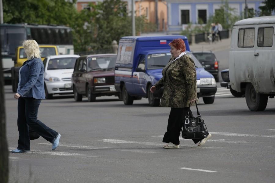 К разметке дороги в Пскове много вопросов. ФОТО: Андрей Степанов.